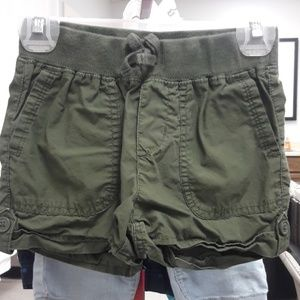 Girls sz 6 the childrens place Olive green shorts